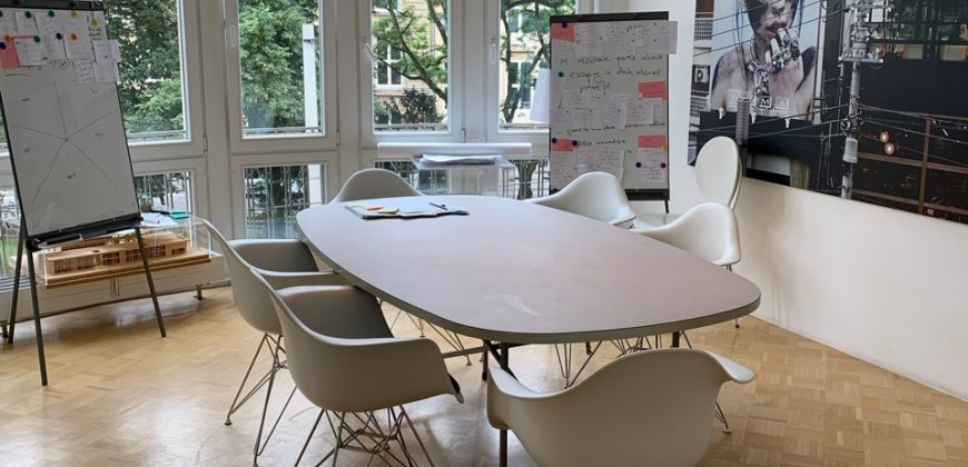 Büro in denkmalgeschütztem Gebäude in Kölner Südstadt