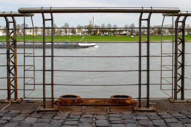 Binnenschiffer an der Wand - Rheinauhafen