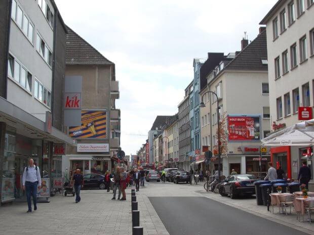Die Severinstraße in der Kölner Südstadt