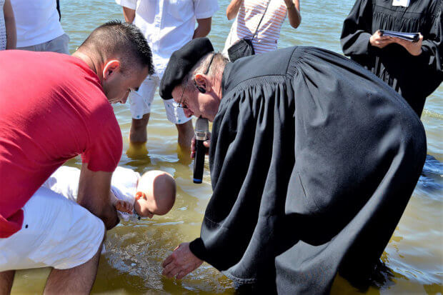 Taufe im Rhein