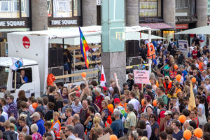 Großdemonstration gegen das Sterben im Mittelmehr - Köln Hauptbahnhof
